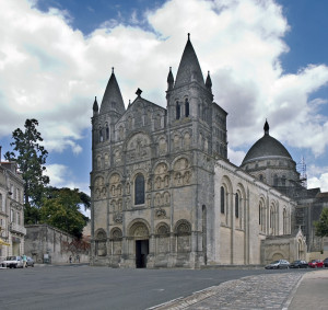 Motuproprio16 dans Coup de pouce... cathédrale-Angoulème-300x283